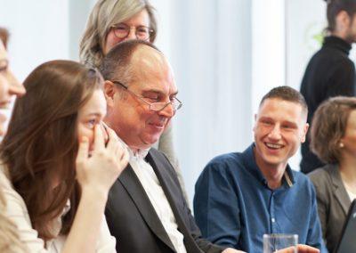 TILL.DE-Beitrag-Seminarauswahl-1024x576-400x284 Schröder spricht