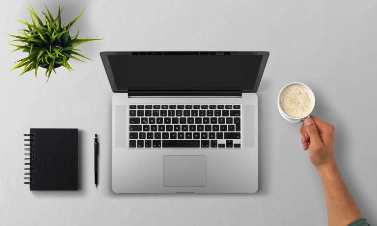 Laptop-1-768x461 TILL.DE Webinare: Interview mit einer Teilnehmerin